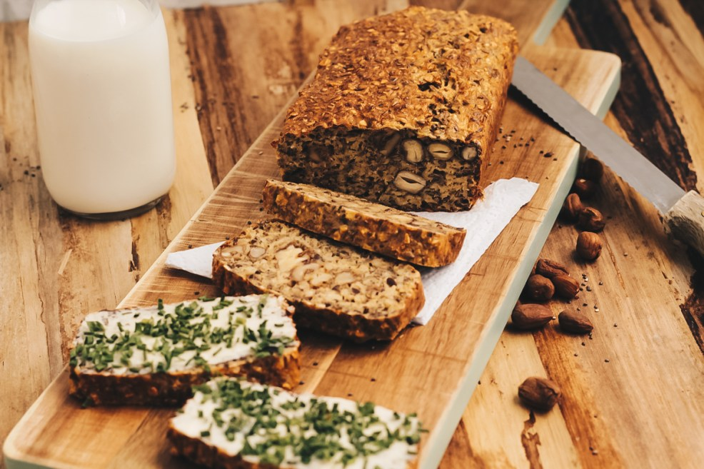 superfood-brot und vegane butter