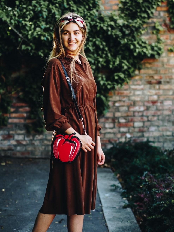 Wie man ein Vintage Kleid modern kombiniert