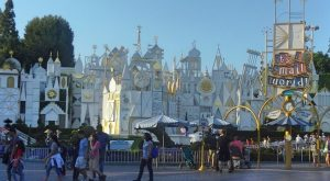 """It's a Small World"" to get FastPasses"