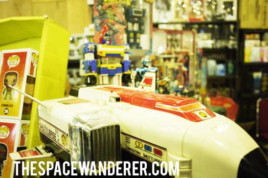 043-vintage-space-ship