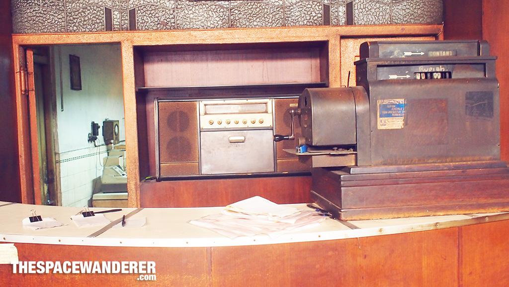 radio-antik-sumber-hidangan-braga