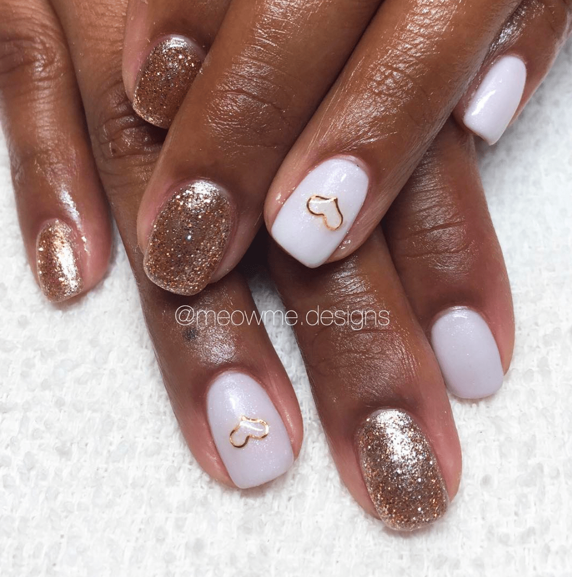 MIdas Touch Gold Heart Nails
