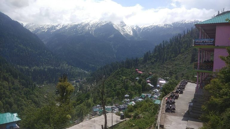 View of Parvati Valley from Pink Floyd Cafe