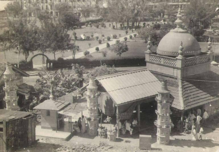 Black and White Photo of Siddhivinayak Temple, Mumbai