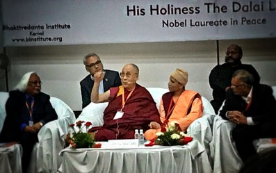Dalai Lama making a point!
