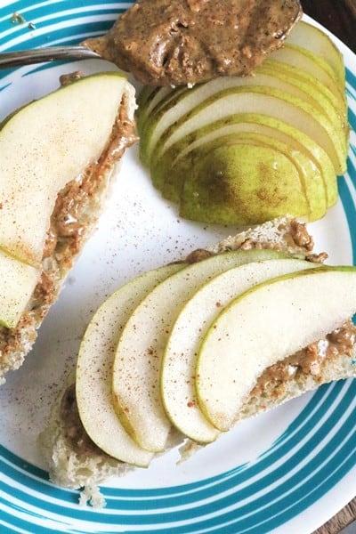 Almond-Pear Panino #easybreakfast