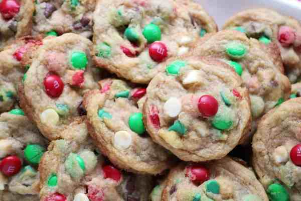 Chewy Holiday M&M Chocolate Chip Cookies 3