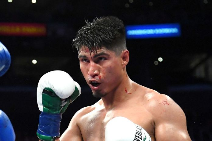 Mikey Garcia vs Manny Pacquiao
