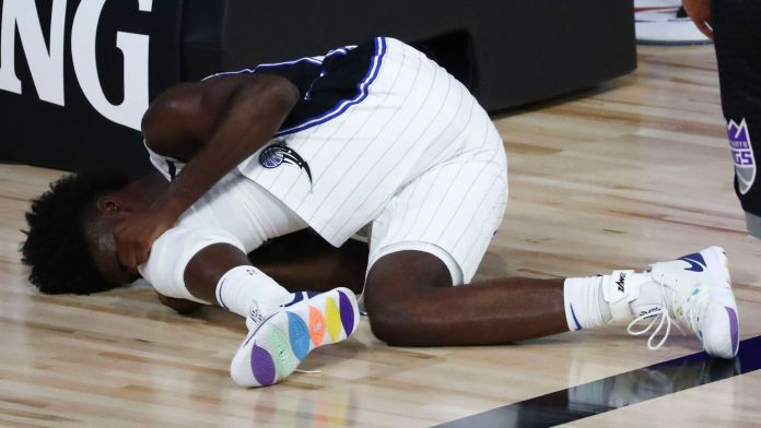 Isaac suffered a bad fall during the game vs Sacramento Kings on Sunday.