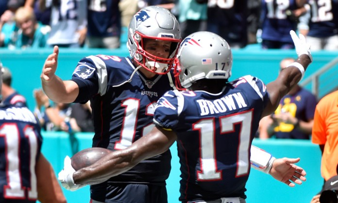Tom Brady takes in Buccaneers newcomer Antonio Brown as houseguest - THE SPORTS ROOM