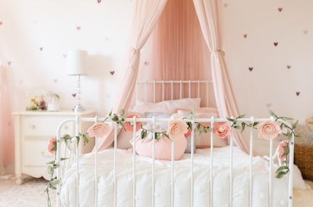 20 Great Ideas For A Canopy Bed In A Girl S Room