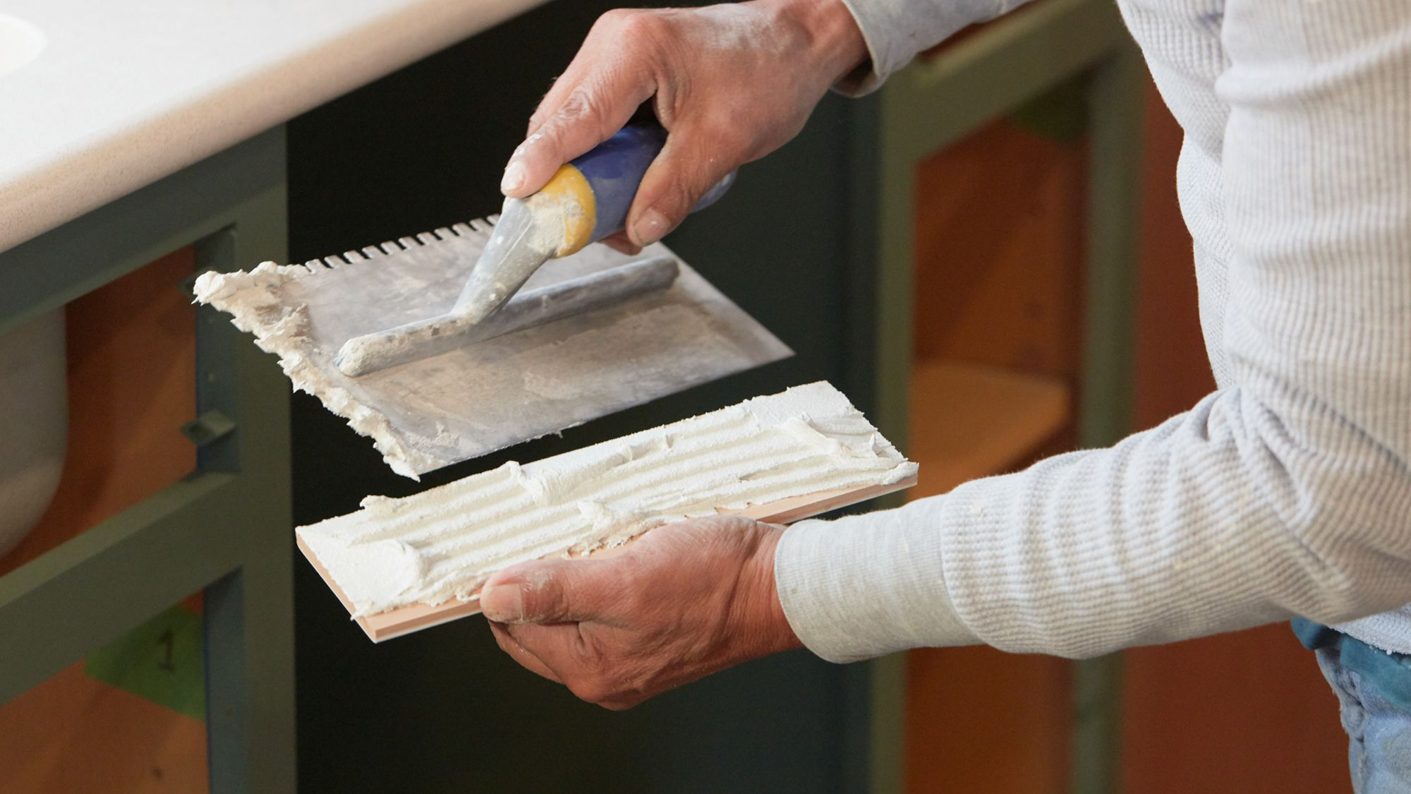 what is tile mastic