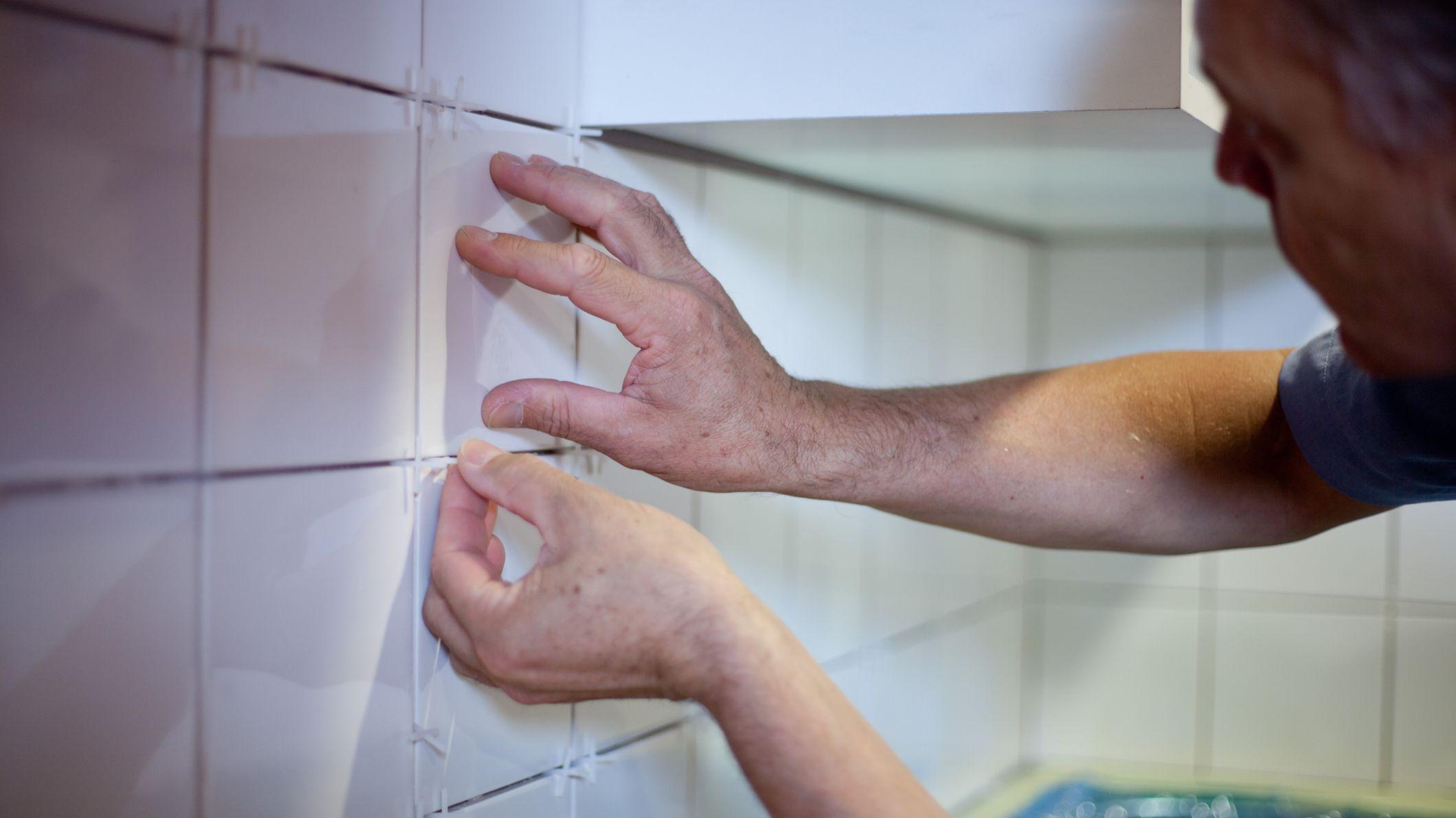 kitchen tile backsplash tips working