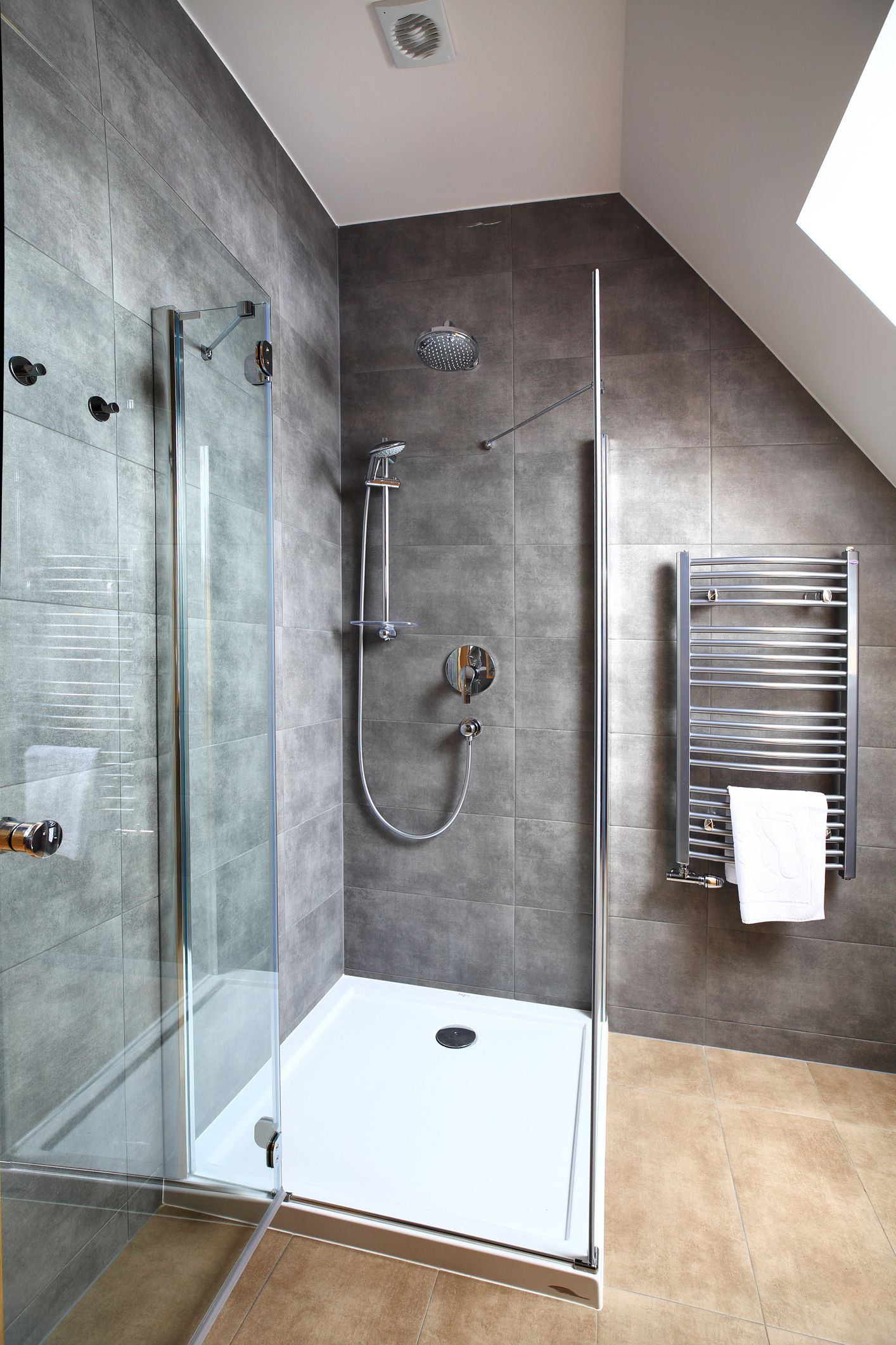 tiled shower stall with polyurethane pan