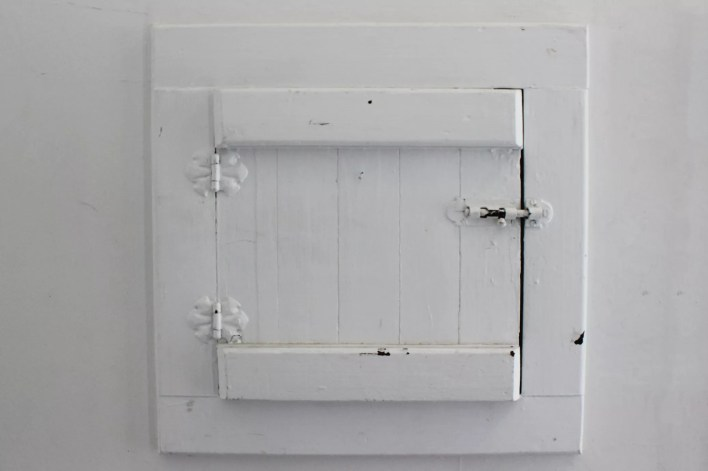 White painted wood cabinet