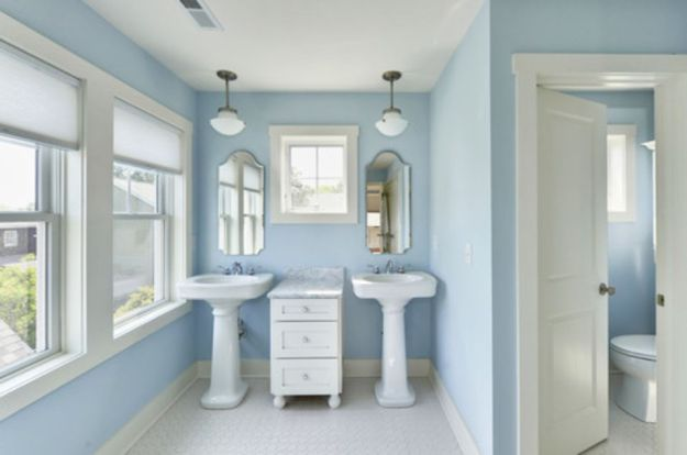 10 beautiful bathrooms with pedestal sinks
