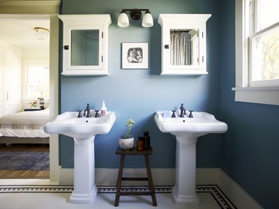 11 Amazing Before   After Bathroom Remodels 11 Pictures Guaranteed To Jumpstart Your Bathroom Remodel