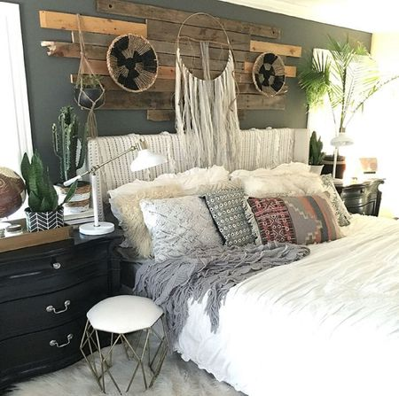 22 Beautiful Boho Bedroom Decorating Ideas Boho Shifts Into Neutral  Eclectic neutral bedroom
