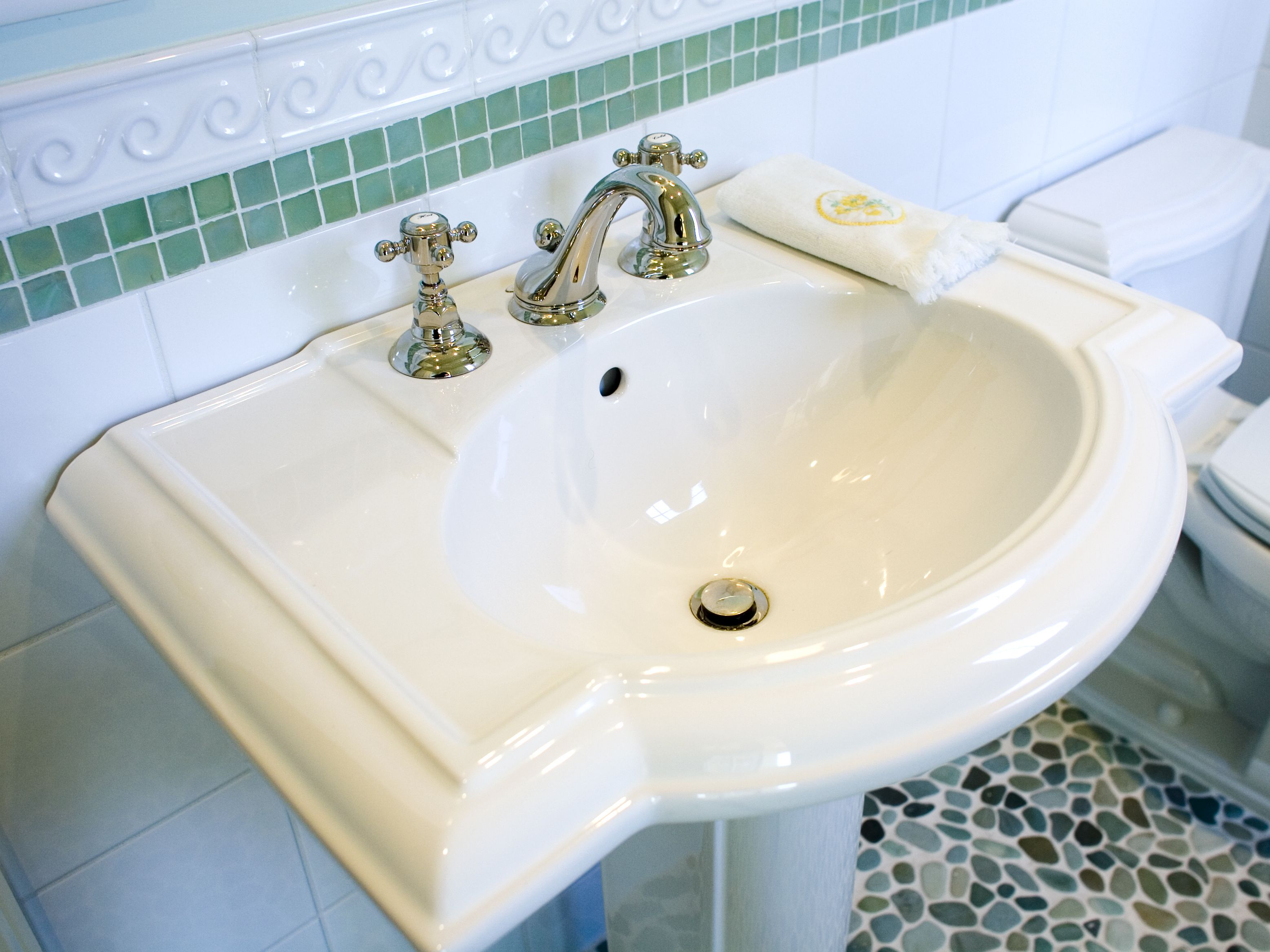 before buying a pedestal sink