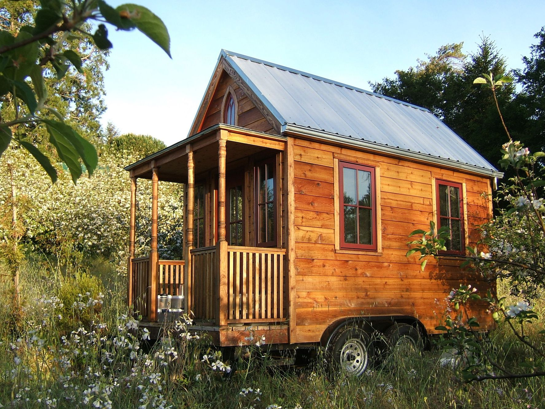 cost to build or buy a tiny house