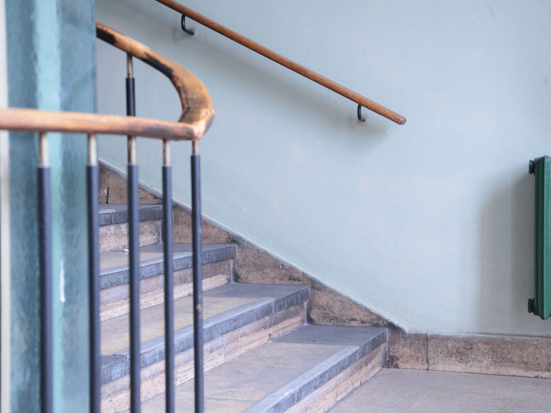 Stair Railing Building Code Summarized | Stair Railing And Balusters | Brushed Nickel | Free Standing | Inexpensive | Deck | Wood