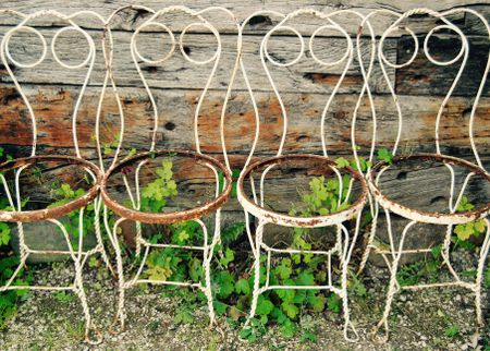 how to shop for vintage outdoor furniture