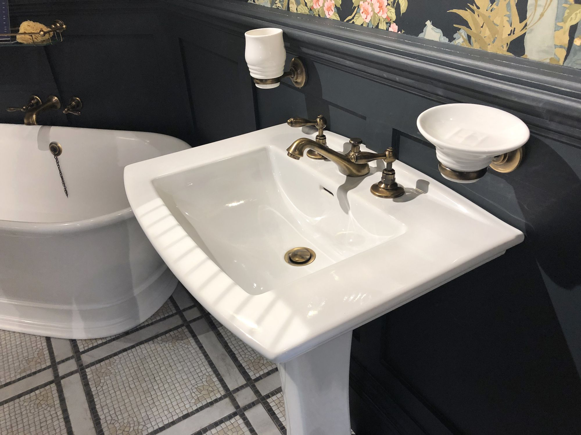 pedestal sinks what to know before you buy