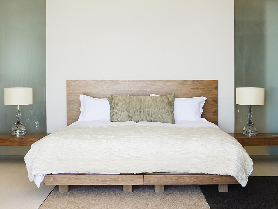 5 furniture must haves for a guest room
