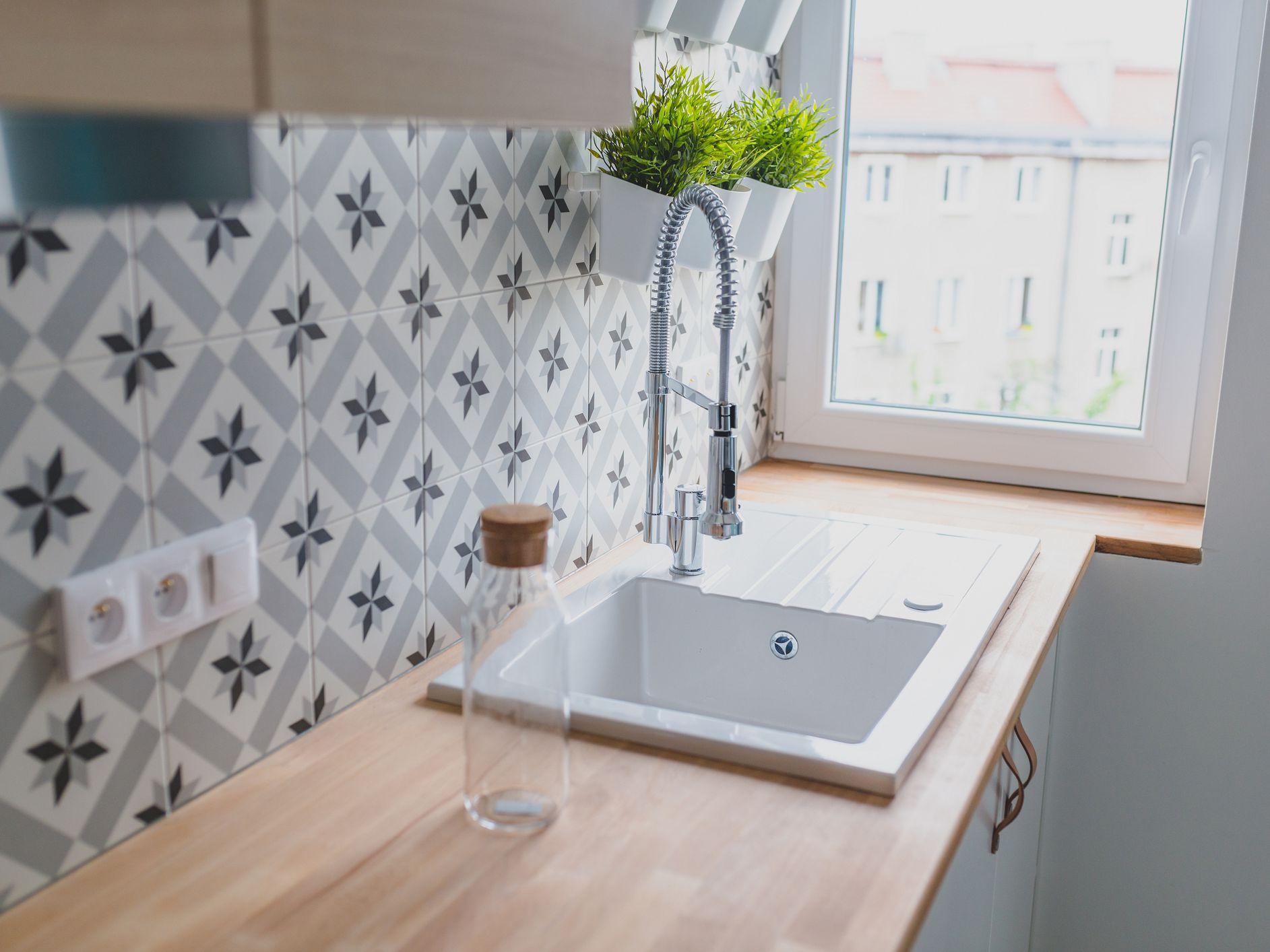 adhesive tile mat backsplash pros and cons