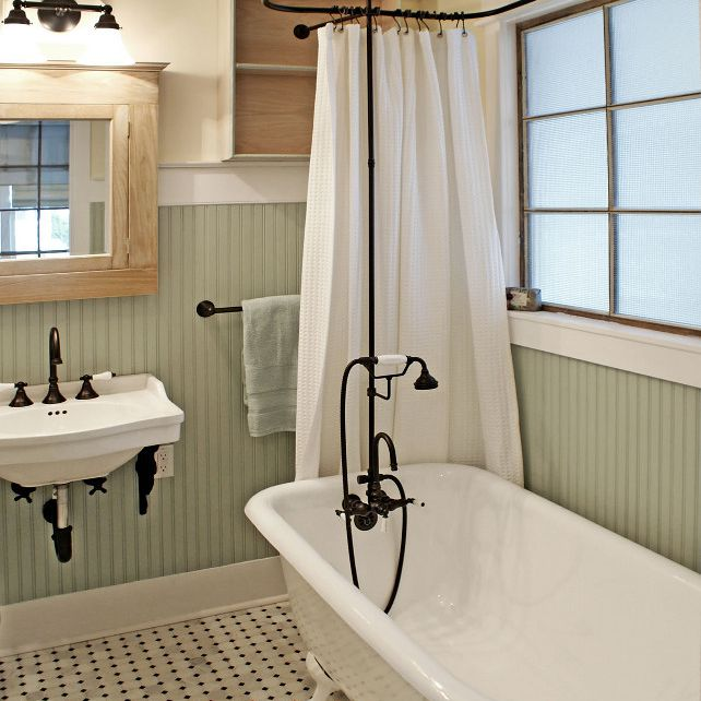 bathroom with a clawfoot tub