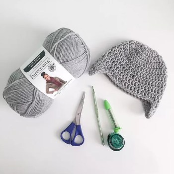 Easy Crochet Beanie Free Pattern with Earflaps