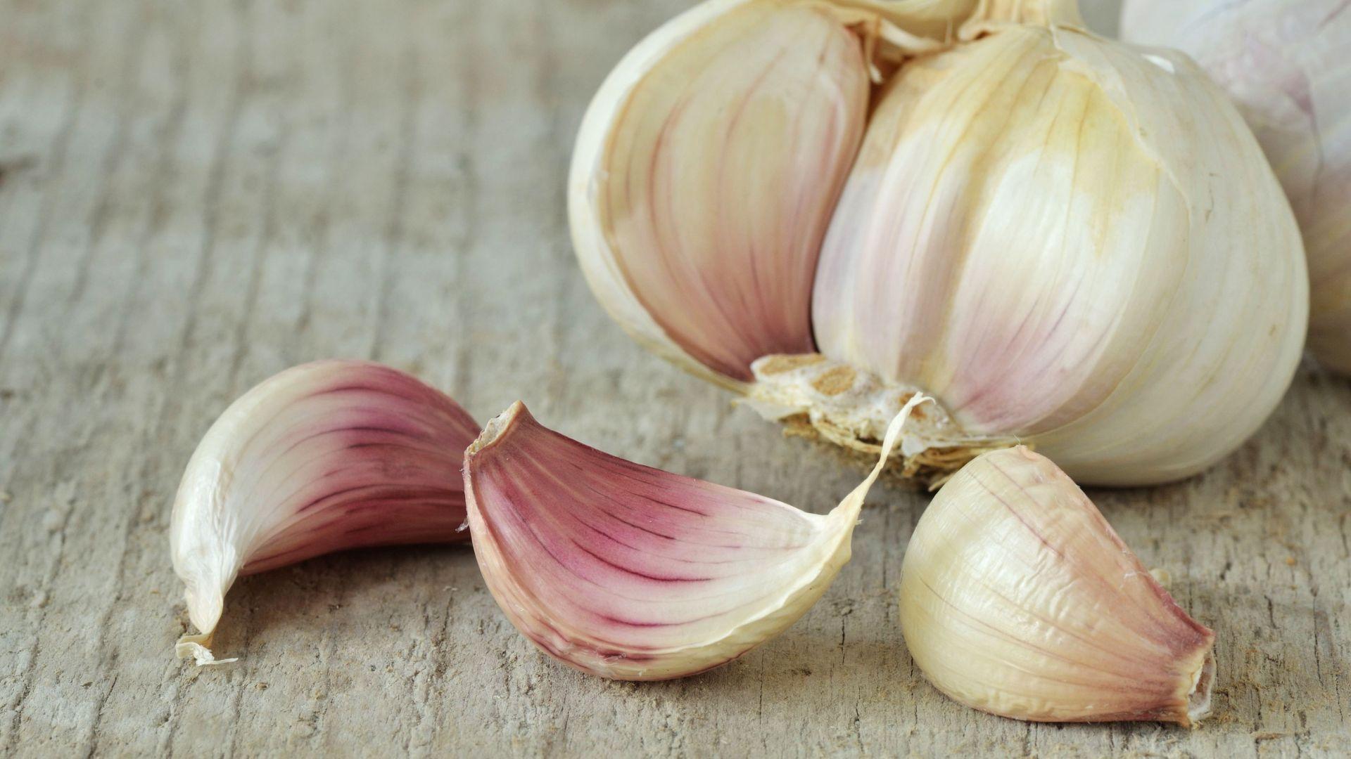 5 Swaps for Fresh Garlic Cloves