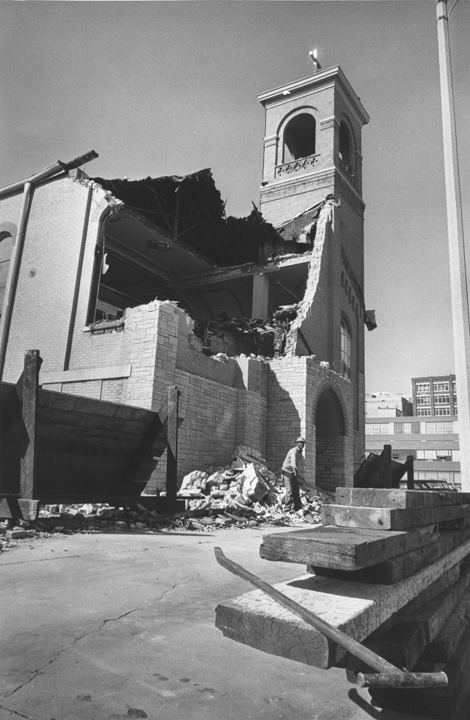 Destruction of Pompeii Church (Milwaukee Public Library via MPTV).