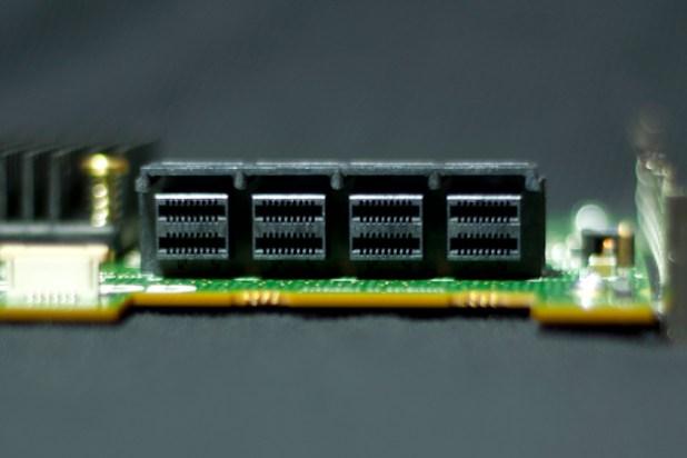 72405-ConnectorTop