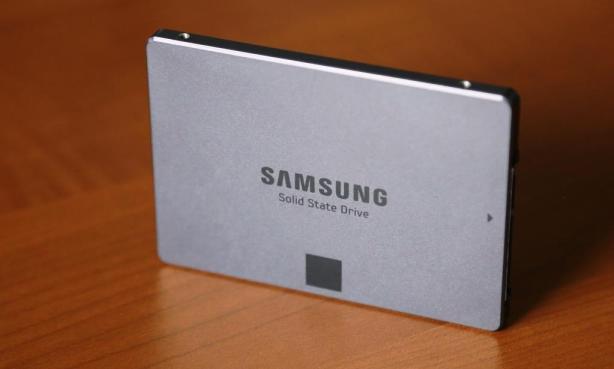 Samsung EVO 840 1TB SSD Standing