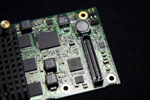 ASR-8885-Connector