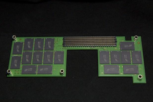 MicronP420m_NANDBoard2
