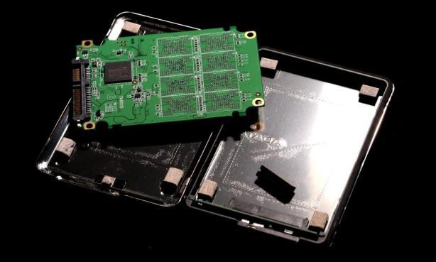 AData SE720 External SSD Disassembled