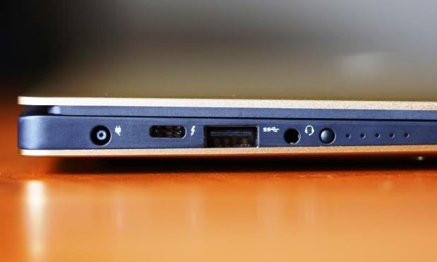Dell XPS 13 9350 Left Side