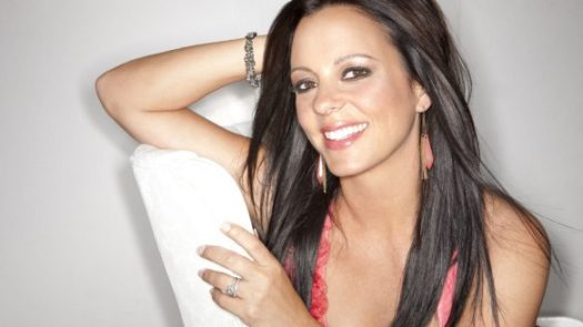 Sara Evans, now an Alabama resident, comes north to Oro, Ont., near Barrie, for the first CMT Music Festival this weekend.