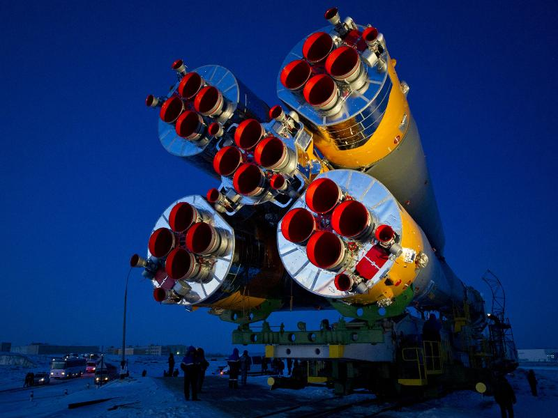 Expedition 30 Soyuz Rolls to the Pad