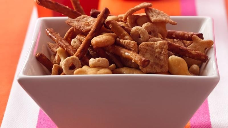 Crunchy Cinnamon Snack Mix Recipe
