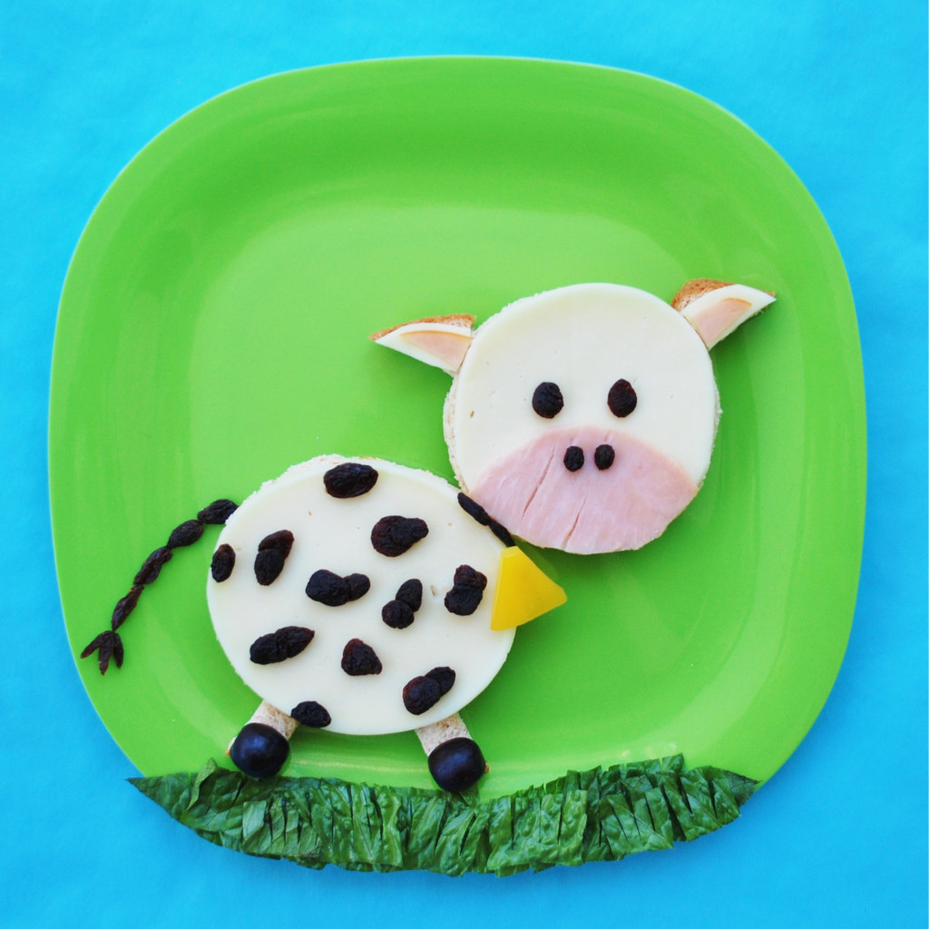 There is something about cows that kids just love. Maybe it's their moo sounds or their laziness. You will be surprised at how simple it is to create this fun cow lunch, and this is also a great way to get your picky eaters to eat some healthy foods for lunch.