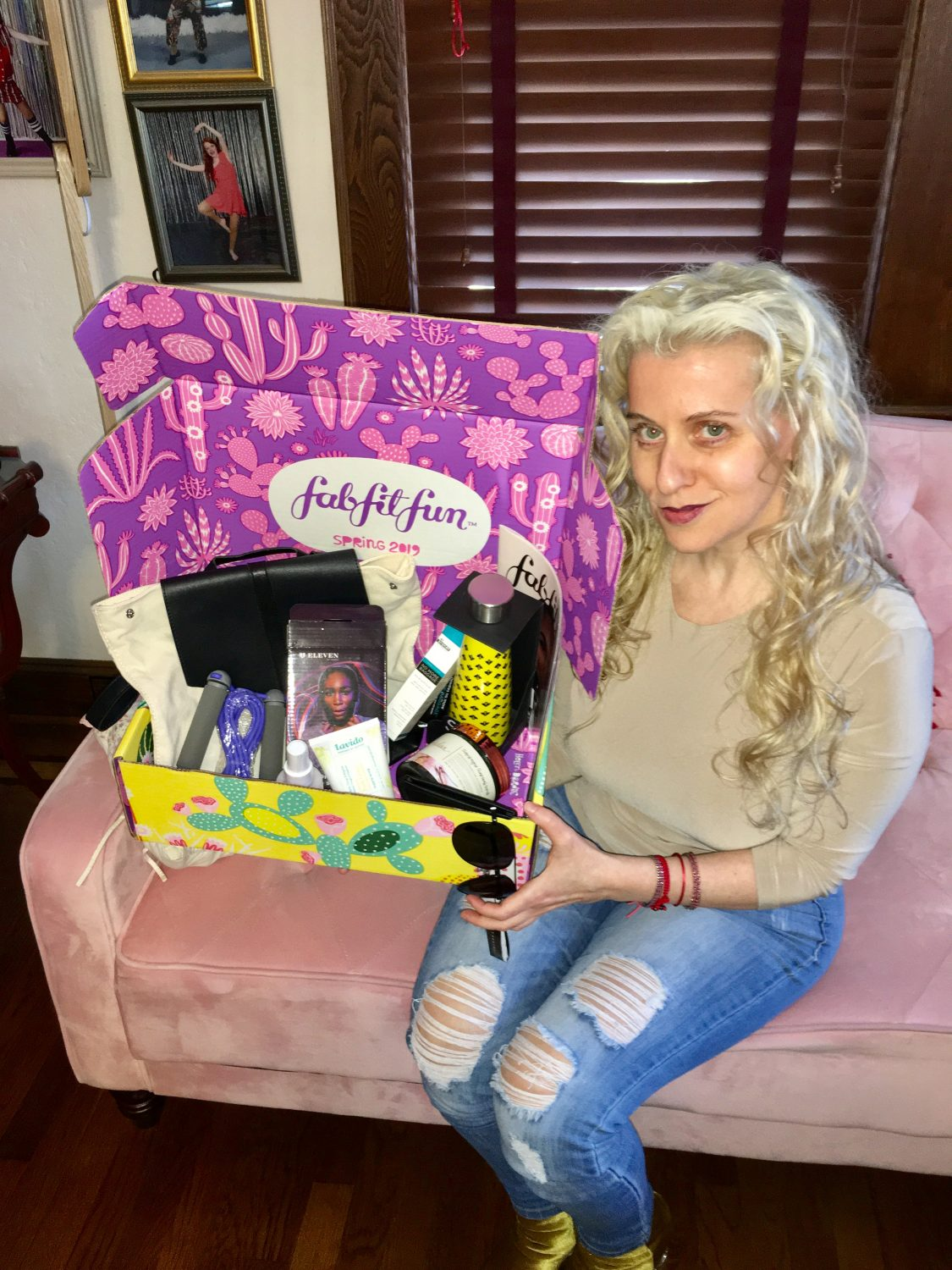 """Are you ready to get your own #fabfitfun box?! use the Coupon code """"MCHAPMAN"""" to get $10 off your first boxwww.fabfitfun.com"""