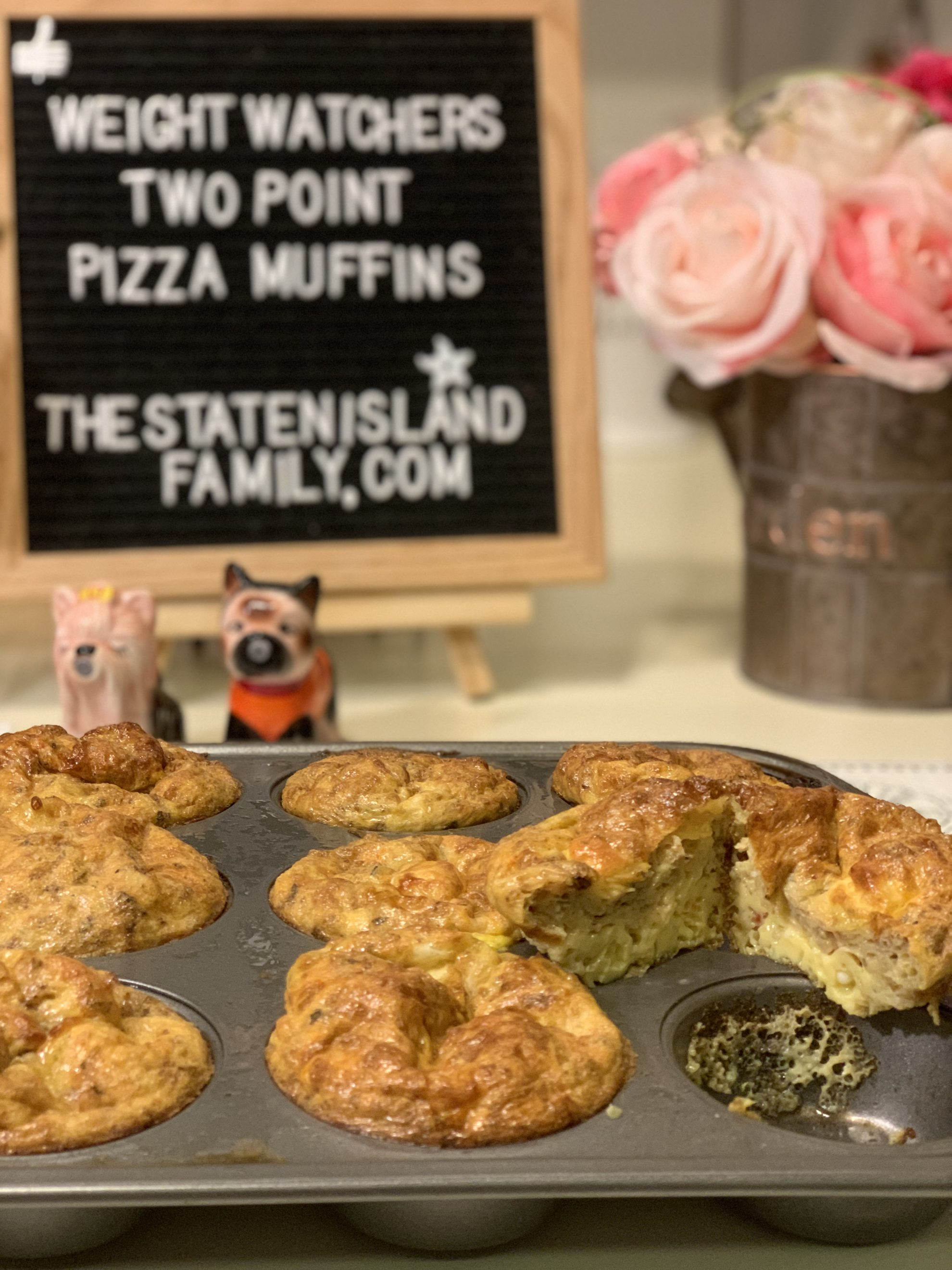these are literally almost as good as pizza 🍕! just two points per muffin! Get the recipe for these weight watchers pizza muffins here: https://www.thestatenislandfamily.com/weight-watchers-pizza-muffins/