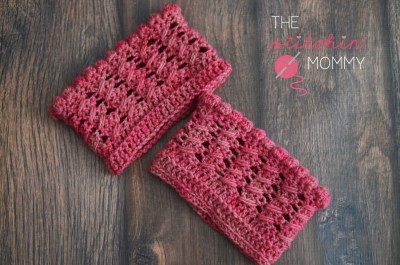 Cables and Bobbles Boot Cuffs - www.thestitchinmommy.com #bootcuffs #fall #crochet #freepattern #summerhill #wool #winter #accessories