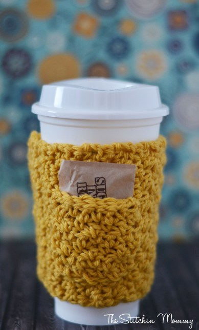 Give Me Some Sugar Coffee Cozy www.thestitchinmommy.com #crochet #coffee #cozy #fall #sugar #pocket