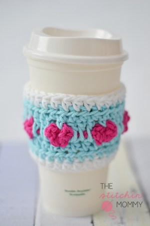 Cup Full of Love Crochet Coffee Cozy - Free Pattern | www.thestitchinmommy.com #Valentine #crochet #coffeecozy #hearts
