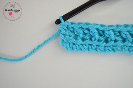 Let's Learn a New Crochet Stitch Pattern Kitchen Crochet Edition - Ribbed Half Double Crochet Stitch Tutorial and Dishcloth Pattern   www.thestitchinmommy.com