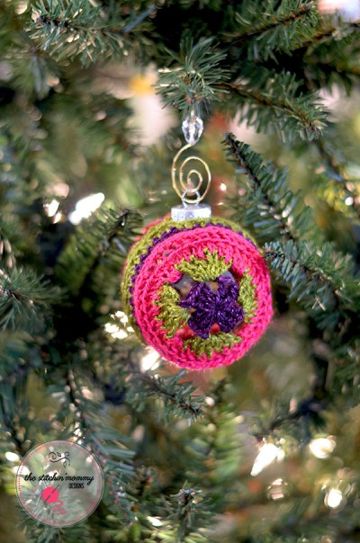 Love and Joy Ornament Cover - Free Crochet Pattern | www.thestitchinmommy.com